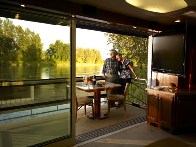 Country coach launches innovative new motorcoach brand for Rv with balcony